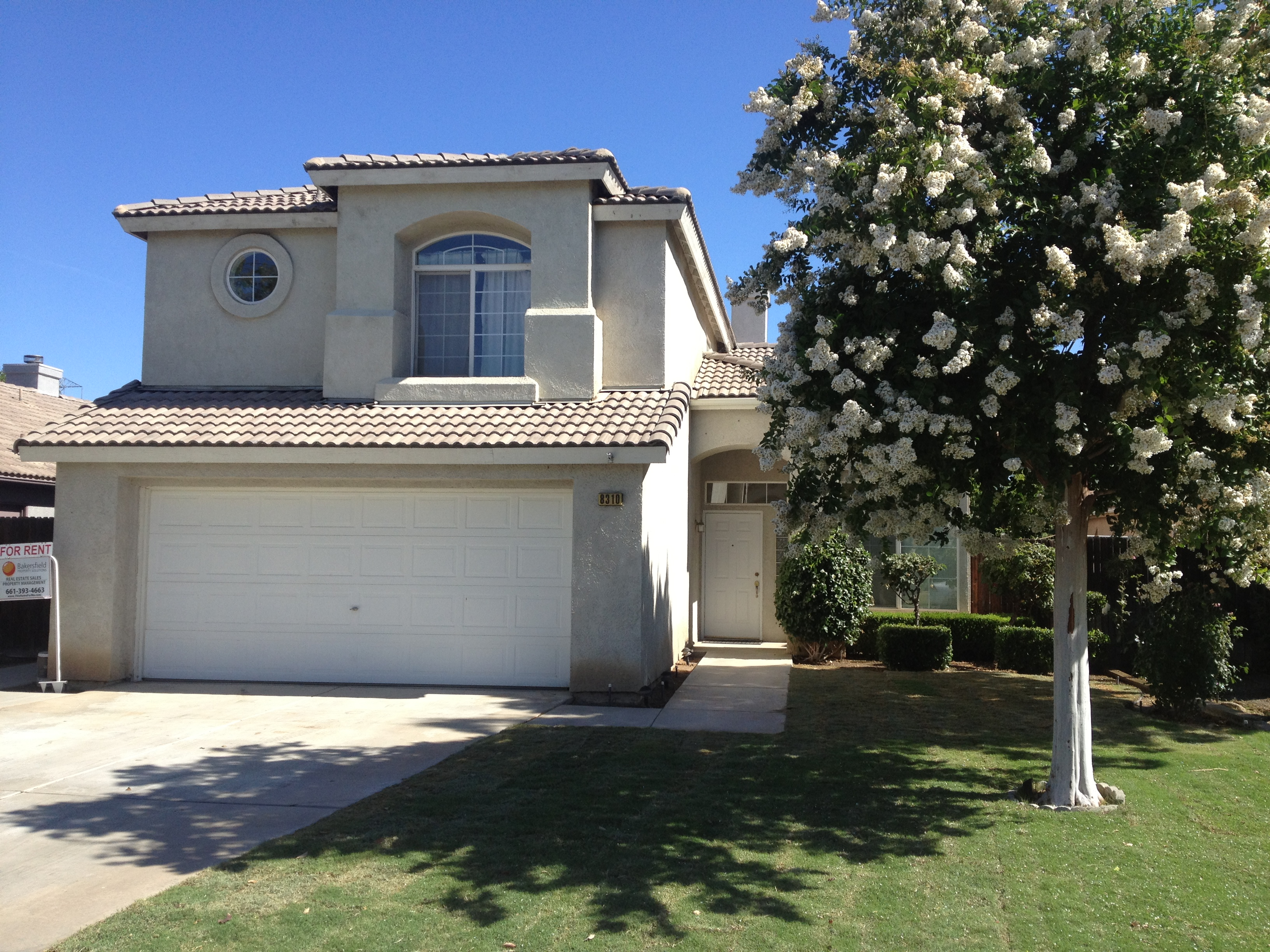 $1495 – 8310 Persimmon Dr., Bakersfield, CA 93311 southwest home for rent