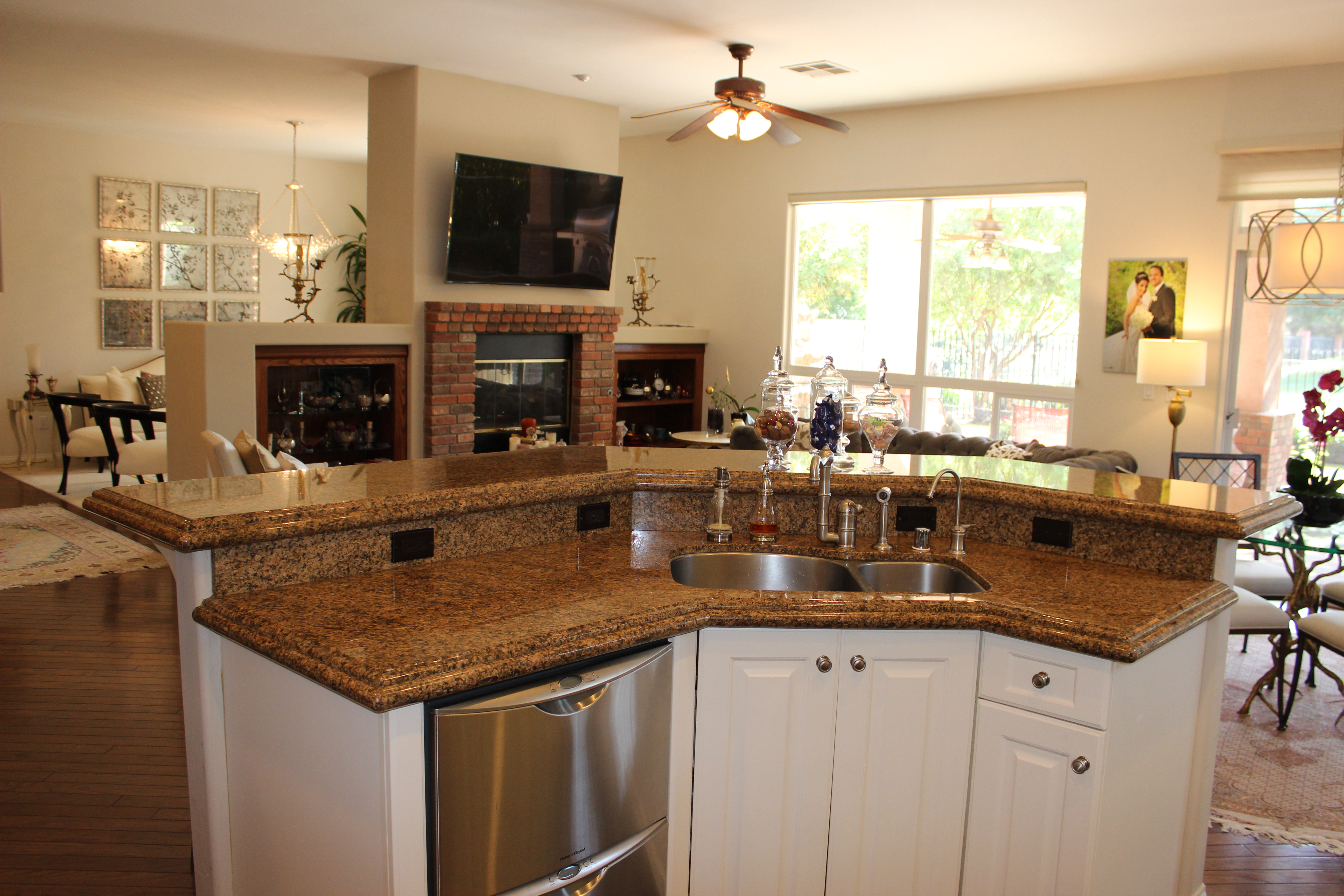 2400 1700 Wedgemont Pl Bakersfield Ca 93311 Seven Oaks Home Country Kitchen