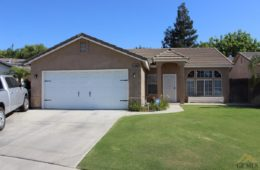 $239,000 – 11409 Blue Grass Drive, Bakersfield, CA 93312 – Northwest Bakersfield Home for Sale!