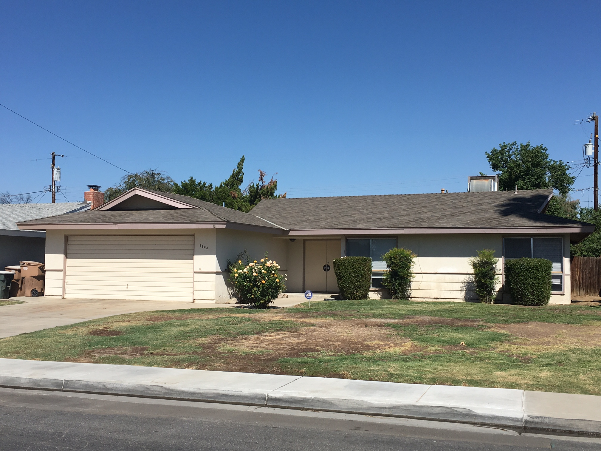 New Home In Bakersfield Room For Rent