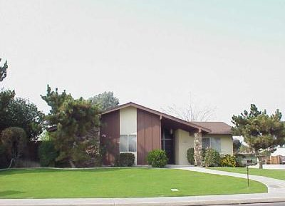 $1350 – 513 Montclair St., Bakersfield, CA 93309 Central Home For Rent!